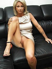 Mature slut enjoys posing very much