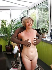 Glamorous older housewife getting nude on pics