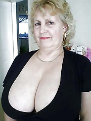 Delightful older woman like sex so much